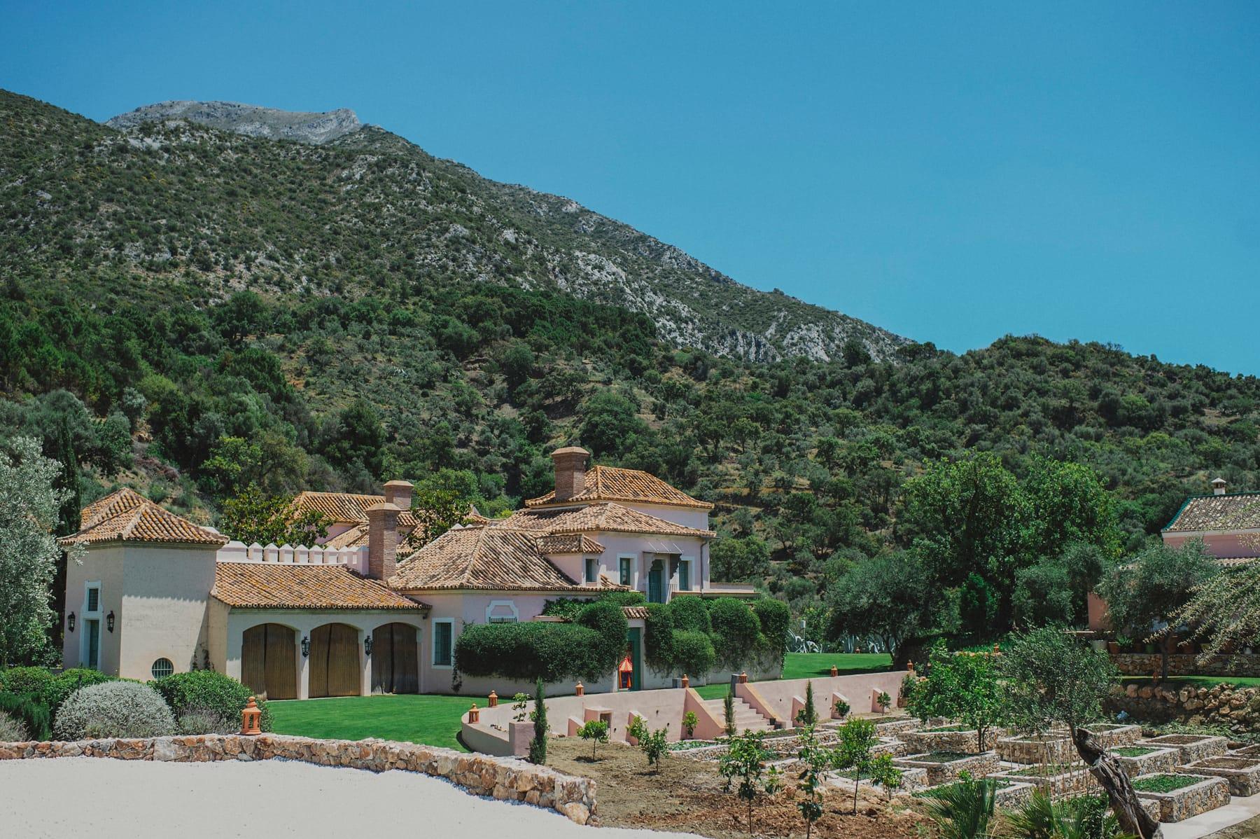 Boda en finca privada al aire libre en la sierra de Marbella